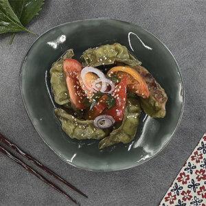 Salade de gyoza et tomates au Shiso